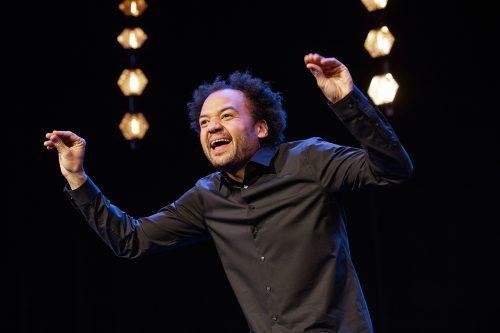 Fabrice Eboué présente  son tout nouveau spectacle au Théâtre vendredi 29 mars à 20h30