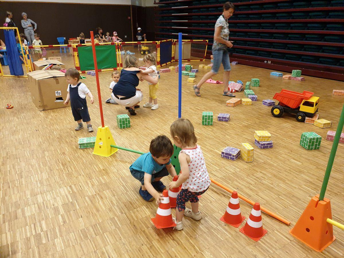 Choix du mode de garde de votre enfant: structure collective ou assistante maternelle?