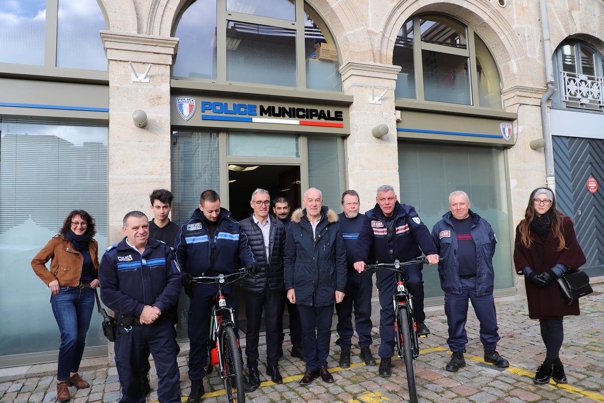Nouveau: la Police Municipale s'équipe de deux vélos électriques!